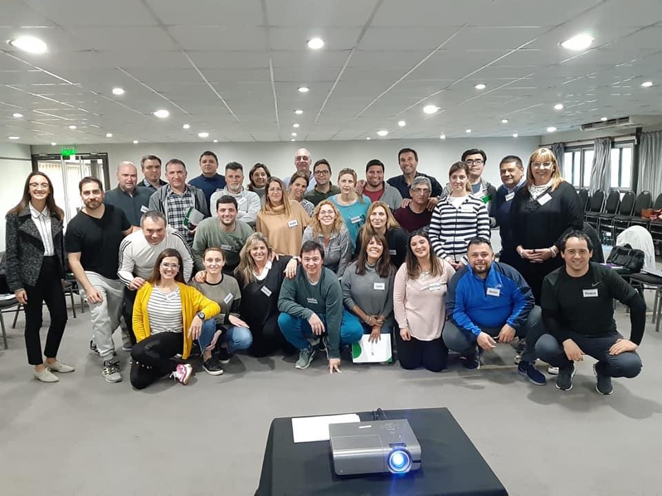 Santa Fe/ Entrenamiento en liderazgo para Jefes de Sección Jerárquicos Salud